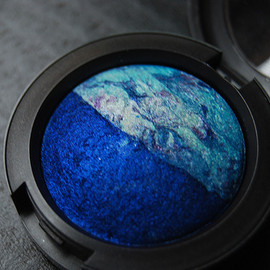 "MAC -  ""Sea & Sky"" Mineralized Eye Shadow"