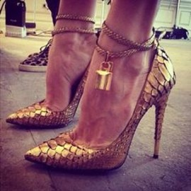 TOM FORD - gold heels