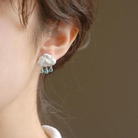 Array Cloud earring