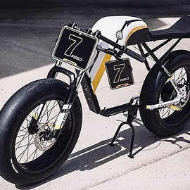 Roland Sands Design (RSD) - Super73