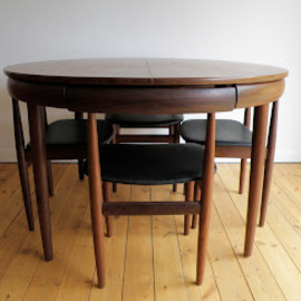 Hans Olsen - 'Roundette' table and chair set