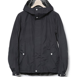 nonnative - MOUNTAINEER HOODED JACKET – NYLON RIPSTOP GORE-TEX® Paclite® 2.5L