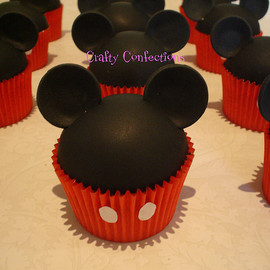 Crafty Confections - Mickey Mouse Cupcake
