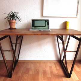 Hardmandasein - LAPTOP DESK: Nr 4 Beautiful Solid Beech Table