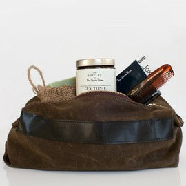 THE MOTLEY - THE SPARE ROOM DOPP KIT