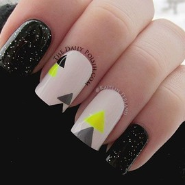 Neon Triangles/nails.