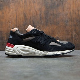 New Balance - M990CDB2 - Made In USA (black / phantom / triumph green)