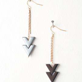 DeuceFashion - Black Onyx Arrow Tribal Inspired Earrings with Gold Fringe (Back in Stock)