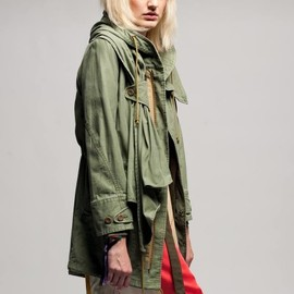 The Dress & Co. HIDEAKI SAKAGUCHI - Military green coat with attached scarf and adjustable hood