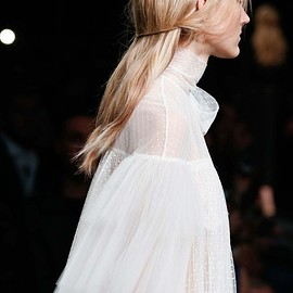 VALENTINO - Fall 2015 - Hair