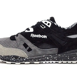 "Reebok - VENTILATOR ""MIGHTY HEALTHY"" ""VENTILATOR 25th ANNIVERSARY"""