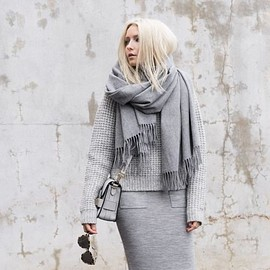 all gray/style