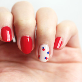 Nail Art: Simple, Retro Nails