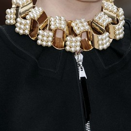Louis Vuitton - necklace | pearl & gold