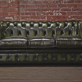 CHESTERFIELDS - THE URBAN CHESTERFIELD SOFA