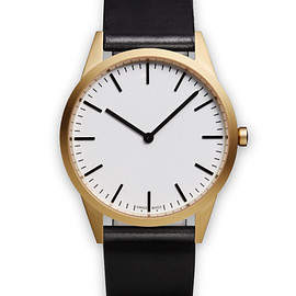 Uniform Wares - C35 two-hand watch in PVD gold  / with black cordovan leather strap