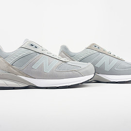 New Balance - engendered garments 990V5 grey