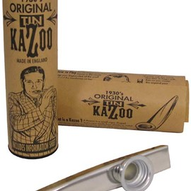 Clarke - Clarke Metal Kazoo, Silver Silver colored, Comes with display tube and information sheet