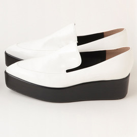 SLY - POINTED SLIP ON