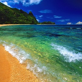 http://fwallpapers.com/files/imagecache/ipad/images/tunnels-beach-kauai-hawaii.jpg