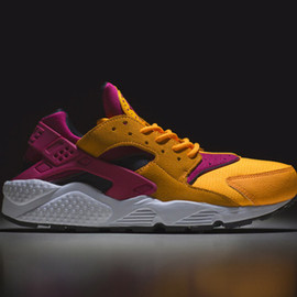 "Nike Air Huarache LE ""Laser Orange"" – size? Exclusive"
