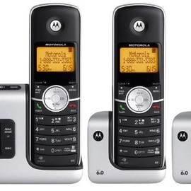 Motorola - DECT 6.0 Cordless Phone with Answering System