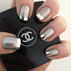 Nail - Chrome and Matte manicure
