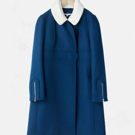 WOOL-CASHMERE COAT WITH BOILED WOOL COLLAR