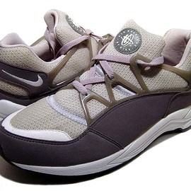 NIKE - AIR HUARACHE LIGHT BEAMS別注