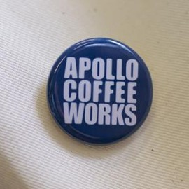 APOLLO COFFEE WORKS - ロゴ缶バッジ