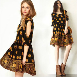 Retro elephant pattern Show thin dress is strapless