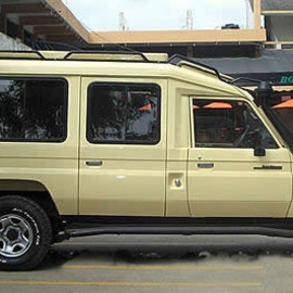 TOYOTA - Land Cruiser 4x4 Safariland Cruiser
