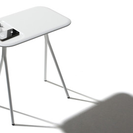mantis desk