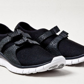 Nike - Free Sock Racer - Black/White