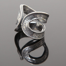 Phenomenon beyond description - HORSE SHOE RING $1