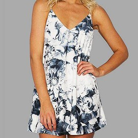 Yoins - Sexy Random Floral Print V-neck Sleevesless Backless Mini Dress