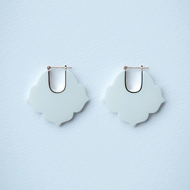HiN jewelry - 桔梗/Kikyou Earrings - White