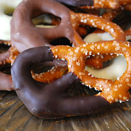 creighton's chocolaterie - Chocolate Dipped Pretzels