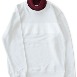 TOGA ODDS&ENDS - High Necked Sweat Tops (white)