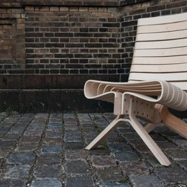 Joel Seiglenamed - Wooden Chair with Laminated Elements that Follow Body Shape   CPH 15 Chair