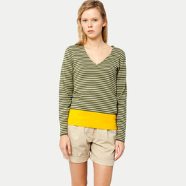 LACOSTE - V‐necked sweater