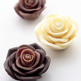 "Vincent van Gogh ""Roses"" Chocolate"