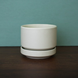ARABIA - MAT WHITE FLOWER POT(S)