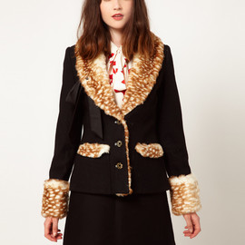 Nishe - Faux Fur Tie Collar Coat