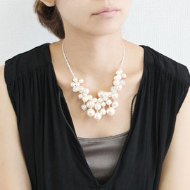 Mayglobe - cotton pearl necklace