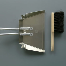 LABOUR AND WAIT - SMALL DUSTPAN AND BRUSH