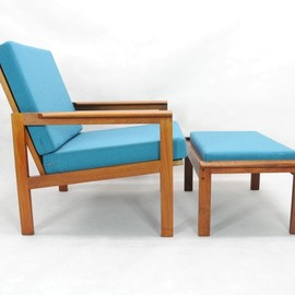 N.Eilersen - Easy Chair with Stool Desinged by Illum Wikkelso