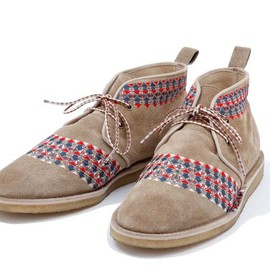 White Mountaineering - Geometric Embroidery Desert Boot