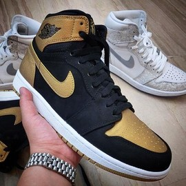 Nike - CARMELO ANTHONY × NIKE AIR JORDAN 1 BLACK/METALLIC GOLD