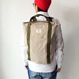 WONDER BAGGAGE - WONDER BAGGAGE / Relax sack tote : beige × forest